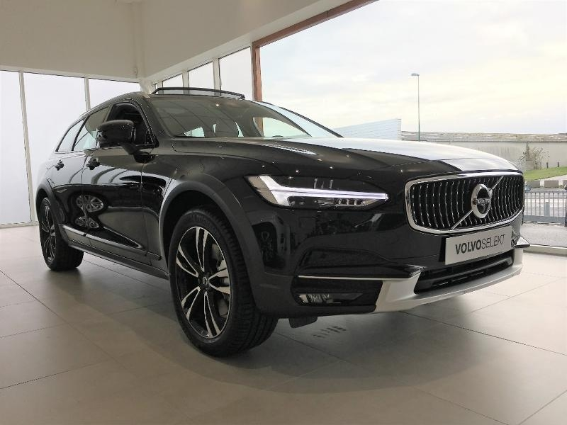 Volvo V90 Cross Country D5 AdBlue AWD 235ch Luxe Geartronic Diesel NOIR ONYX Occasion à vendre