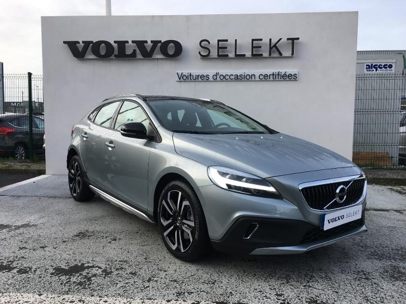 Volvo V40 Cross Country D2 AdBlue 120ch Översta Edition Geartronic Diesel Argent Electrique Occasion à vendre
