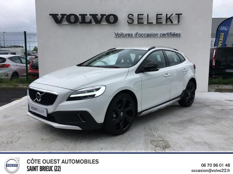 Volvo V40 Cross Country D3 150ch Momentum Business Geartronic Diesel BLANC Occasion à vendre